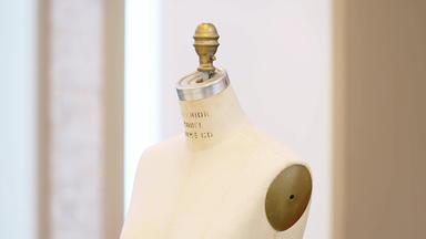 Die Superhändler - 4 Räume, 1 Deal - Vintage Schneiderpuppe Nyc \/ Kaffee Hag Schild \/ Glaslampe Um 1900