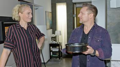 Gzsz - Michi Hilft Maren Beim Kuchenbacken Für Emmas Kita