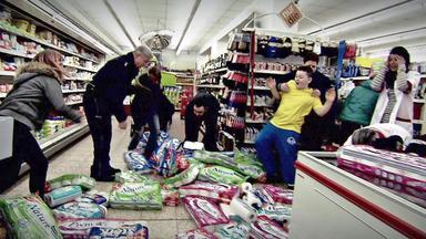 Der Blaulichtreport - U.a.: Kindergang Randaliert In Supermarkt