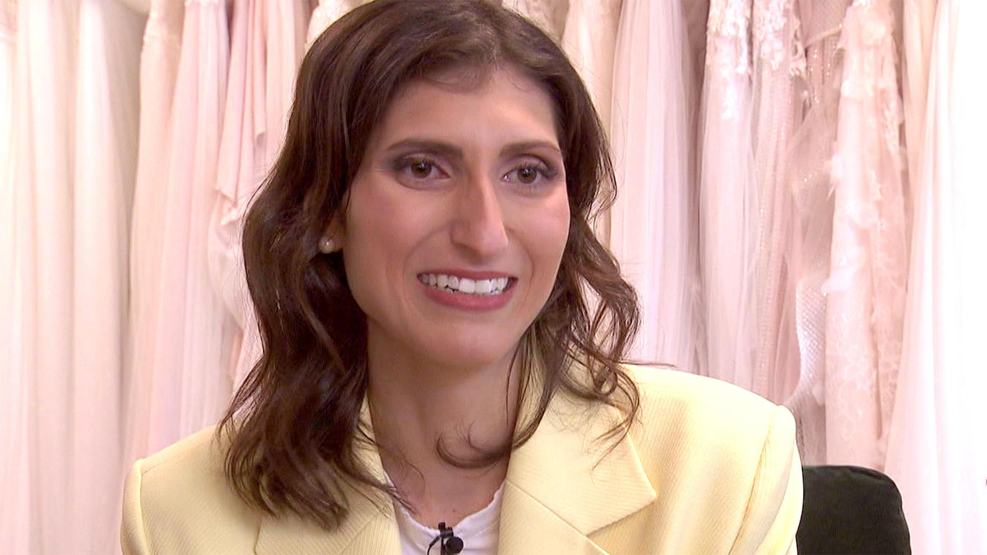 Brautkleid für Hochzeit in Griechenland gesucht! | Folge 75