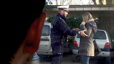 Die Trovatos - Detektive Decken Auf - Lehramtsstudent Fragt Sich, Warum Seine Freundin Ständig Mit Polizisten Gesehen Wird