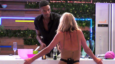 Love Island Uk - Day 33