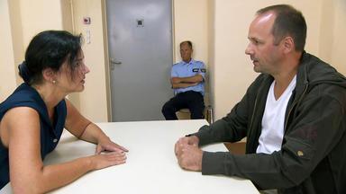 Verdachtsfälle - Frau Verzweifelt, Weil Ihr Mann Hinter Gittern Bleiben Will