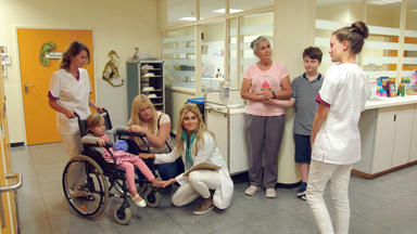 Station B1 - Kinderärzte Mit Herz - Die 14-jährige Paula Scheint Erblindet Zu Sein