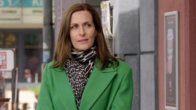 Gzsz - Katrin Wundert Sich über Melanies Seltsames Verhalten