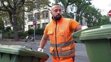 Die Alltagskämpfer - Überleben In Deutschland - Müllwerker: Drecksjob Oder Traumberuf?
