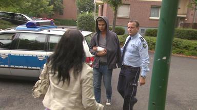 Die Trovatos - Detektive Decken Auf - 42-jährige Befürchtet, Dass Ihr Sohn Bei Seiner Ausbildung Schikaniert Wird