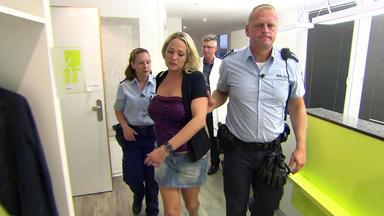 Wache Köln-ost - Vf-spezial - Busenprellerin Hält Polizei Auf Trab \/ Taxifahrer Entblößt Sich Vor Weiblichem Fahrgast