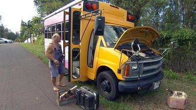 Die Reimanns - Manus Heißgeliebter Bus Bleibt Auf Der Straße Liegen