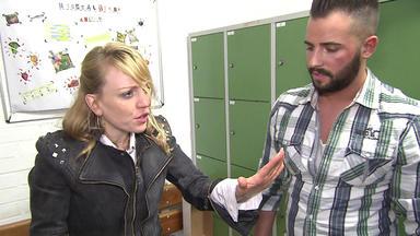 Die Trovatos - Detektive Decken Auf - Friseurmeisterin Wird Verdächtigt, Ihre Schützlinge Zu Belästigen