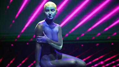 Das Supertalent - Bodypainter, Led-show Mit Tanz Und Akrobatik
