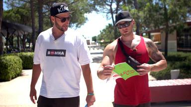 Bella Italia - Camping Auf Deutsch - Sascha Und Dennis: Auf Kriegsfuß Mit Den Campingplatzregeln