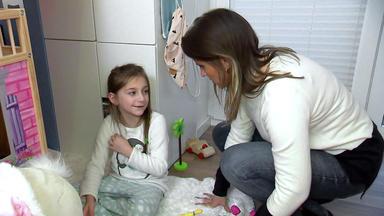 Verdachtsfälle - Besorgte Mutter Fürchtet Um Ihre 6-jährige Tochter