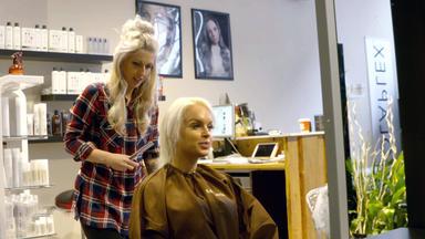 Einfach Hairlich - Die Friseure - Franzi Liebt Ihre Pink-grünen Haare