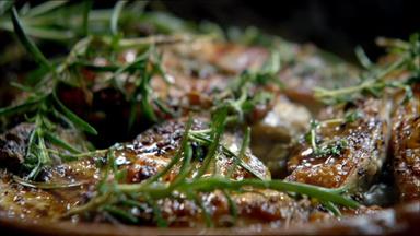 Jamies 30 Minuten Menüs - Jamies Perfektes Hühnchen