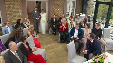Meine Geschichte - Mein Leben - Bräutigam Erhält Mysteriösen Anruf Und Flieht Bei Trauung