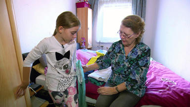 Armes Deutschland - Ein Wiedersehen Mit Oma Bettina Und Enkelin Yasemina