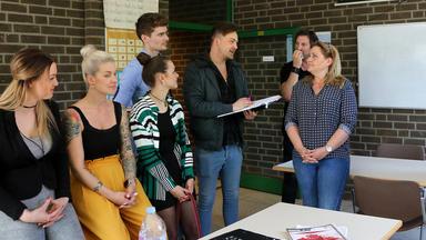 Krass Schule - Die Jungen Lehrer - Prüfung Mit Folgen