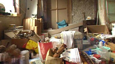Exklusiv - Die Reportage - Bei Messies Ist Die Hölle Los! - Leben Zwischen Wohnung Und Müllhalde