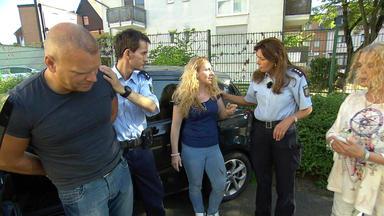 Der Blaulichtreport - Mann Fährt Ehefrau Wegen Verbrannter Lasagne An