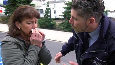 Der Blaulichtreport - Frau Flüchtet Vor Zahnärztin