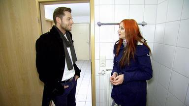 Mieten Kaufen Wohnen - Model Auf Wohnungssuche In Leipzig