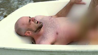 Der Blaulichtreport - Nackter Mann Treibt Auf See