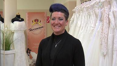 Zwischen Tüll Und Tränen - Frau Kaisers Neues Kleid